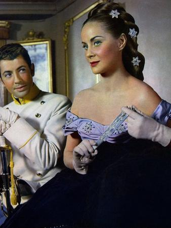 https://imgc.allpostersimages.com/img/posters/senso-1954-directed-by-luchino-visconti-farley-granger-and-alida-vallli-photo_u-L-Q1C1HQ90.jpg?artPerspective=n