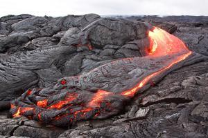 Active Pahoehoe-Type Lava Flow in Hawaii by Sepp
