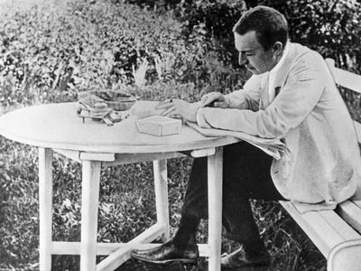 https://imgc.allpostersimages.com/img/posters/sergei-rachmaninov-1873-1943-composing-his-third-piano-concerto-1910_u-L-PV8SYA0.jpg?p=0