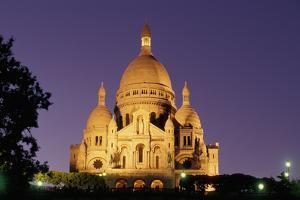 France, Paris, Sacré-Coeur at dusk. by Sergio Pitamitz