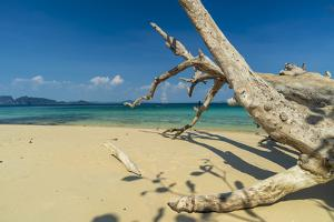 Ko Kradan, Talay Trang archipelago, Thailand by Sergio Pitamitz