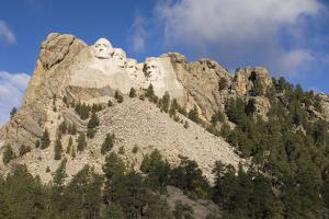 Low Angle View of Mount Rushmore on a Bright Day by Sergio Pitamitz