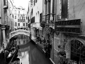 Venice, Veneto, Italy by Sergio Pitamitz