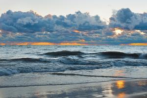 Dawn over the Michigan by SergiyN
