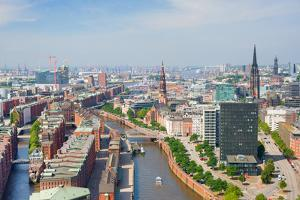 Hamburg and Port by SergiyN