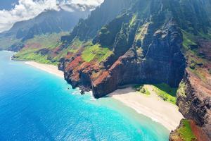 Na Pali Coast on Kauai Island by SergiyN