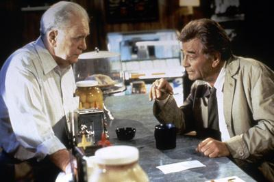 https://imgc.allpostersimages.com/img/posters/serie-televisee-columbo-with-peter-falk-inspecteur-columbo-1971-2003-photo_u-L-Q1C31E90.jpg?artPerspective=n
