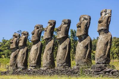 https://imgc.allpostersimages.com/img/posters/seven-moai-at-ahu-akivi_u-L-PQ8TXN0.jpg?p=0
