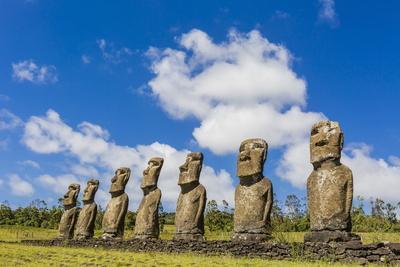 https://imgc.allpostersimages.com/img/posters/seven-moai-at-ahu-akivi_u-L-PQ8TYN0.jpg?p=0
