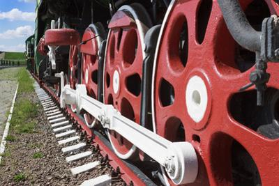 Wheels and Coupling Devices of A Big Locomotive by Sever180