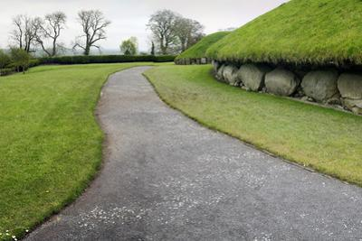 Knowth by Severas