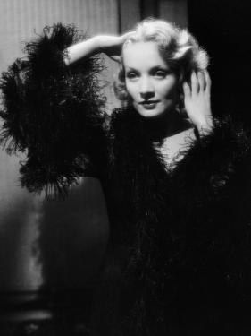 Shanghai Express by Josef von Sternberg with Marlene Dietrich, 1932 (b/w photo)