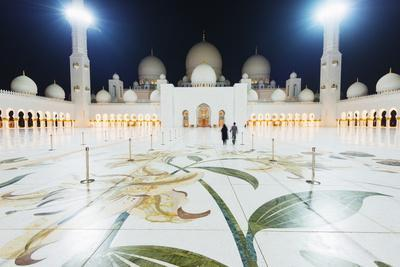 https://imgc.allpostersimages.com/img/posters/sheikh-zayed-grand-mosque-at-night-abu-dhabi-united-arab-emirates-middle-east_u-L-PQ8QTN0.jpg?p=0