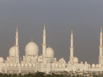 Sheikh Zayed Grand Mosque, the Biggest Mosque in the U.A.E., Abu Dhabi