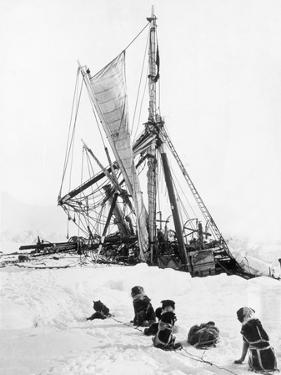 Ship Endurance Sinking in Pack Ice