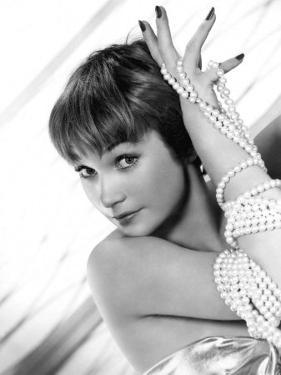 Shirley Maclaine, 1959