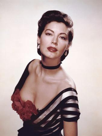 https://imgc.allpostersimages.com/img/posters/show-boat-by-georgesidney-with-ava-gardner-1951-photo_u-L-Q1C212E0.jpg?artPerspective=n