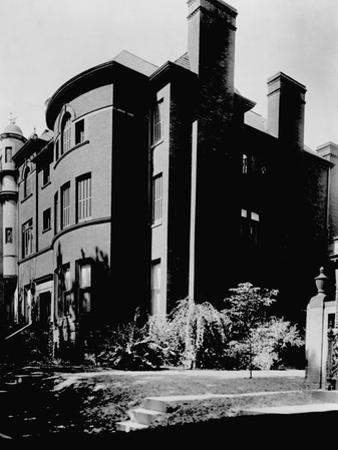 Side Angle View of the Alexander Graham Bell Home (From 1892-1922)