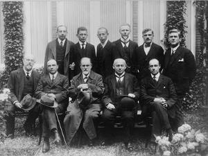 Sigmund Freud with colleagues at a psychoanalytic congress in The Hague, 1920