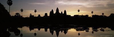 https://imgc.allpostersimages.com/img/posters/silhouette-of-the-temple-of-angkor-wat-reflected-in-the-lake-cambodia-indochina_u-L-P2R3SU0.jpg?p=0