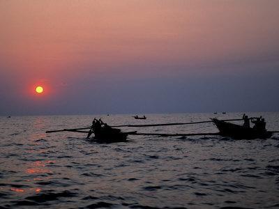 https://imgc.allpostersimages.com/img/posters/silhouetted-boats-on-lake-tanganyika-tanzania_u-L-P58A5W0.jpg?p=0