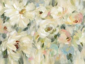 Expressive Pale Floral Crop by Silvia Vassileva
