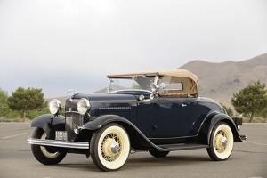 Ford 18 Deluxe Roadster 1932 by Simon Clay