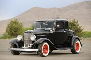 Ford 3 Window Coupe 1932 by Simon Clay