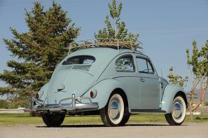 VW Beetle 1957 by Simon Clay