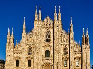Duomo di Milano (Milan Cathedral), Milan, Lombardy, Italy by Simon Montgomery