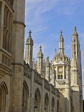 Kings College Chapel, University of Cambridge, Cambridge, England by Simon Montgomery