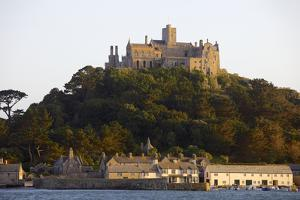 St. Michaels Mount, Cut Off from Marazion at High Tide, Cornwall, England, United Kingdom, Europe by Simon Montgomery
