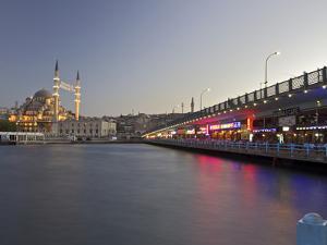 The New Mosque, Istanbul, Turkey, Europe, Eurasia by Simon Montgomery