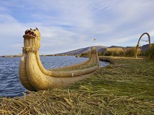 Traditional Reed Boat Uros Island, Flotantes, Lake Titicaca, Peru, South America by Simon Montgomery