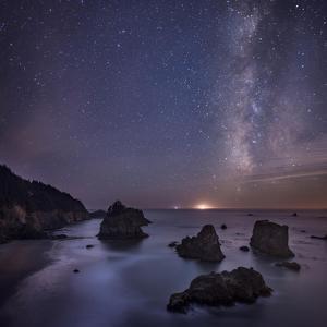 Milky Way over Ocean and Sea Stacks, Samuel Boardman State Park, Oregon, America, USA by Simonbyrne