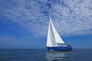 Sailing in the North Sea by Sindre Ellingsen