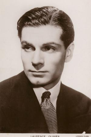 https://imgc.allpostersimages.com/img/posters/sir-laurence-olivier-english-film-and-stage-actor-director-and-producer_u-L-PRB1O10.jpg?p=0