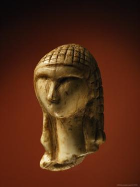 The 25,000-Year-Old Ivory Venus of Brassempouy by Sisse Brimberg