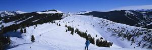 Skiers Skiing, Vail Ski Resort, Vail, Colorado, USA