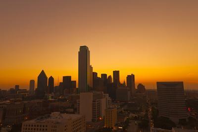 https://imgc.allpostersimages.com/img/posters/skyline-dallas-texas-united-states-of-america-north-america_u-L-Q12SEM90.jpg?p=0
