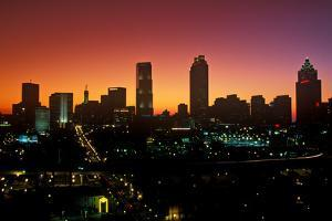 Skyline view at sunset of the state capital of Atlanta, Georgia