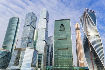 https://imgc.allpostersimages.com/img/posters/skyscrapers-of-the-modern-moscow-city-international-business-and-finance-development_u-L-PWFSPG0.jpg?p=0
