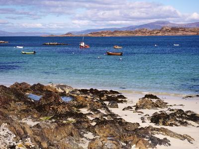 https://imgc.allpostersimages.com/img/posters/small-boats-isle-of-iona-inner-hebrides-scotland-united-kingdom-europe_u-L-PFLAJ00.jpg?p=0