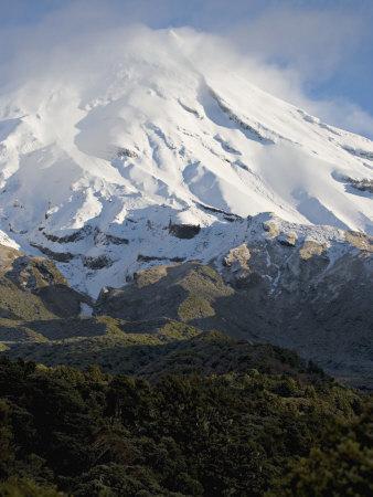 Dormant Volcano Mount Egmont or Taranaki, Egmont National Park, Taranaki, New Zealand