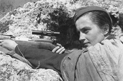 Sniper Lyudmila Pavlichenko (1916-197), 1942