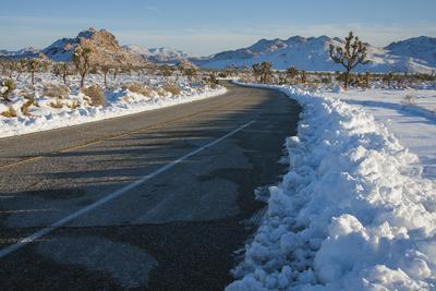https://imgc.allpostersimages.com/img/posters/snow-in-the-high-desert-california_u-L-Q1D0OE60.jpg?p=0
