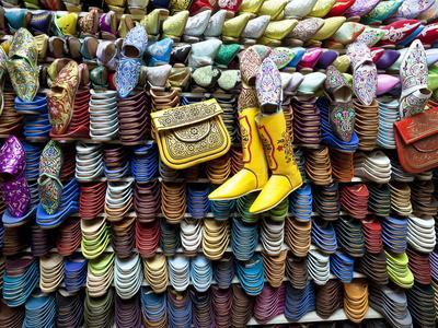 https://imgc.allpostersimages.com/img/posters/soft-leather-moroccan-slippers-in-the-souk-medina-marrakesh-morocco-north-africa-africa_u-L-PHCX4S0.jpg?p=0