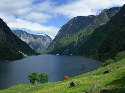 https://imgc.allpostersimages.com/img/posters/sognefjord-norway-scandinavia-europe_u-L-P7XIGC0.jpg?p=0