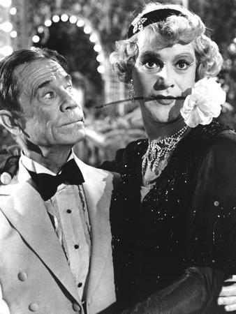 https://imgc.allpostersimages.com/img/posters/some-like-it-hot-joe-e-brown-jack-lemmon-1959_u-L-Q12P99H0.jpg?artPerspective=n