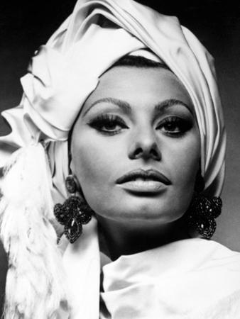 """Sophia Loren. """"Stanley Donen's Arabesque"""" 1966, """"Arabesque"""" Directed by Stanley Donen"""